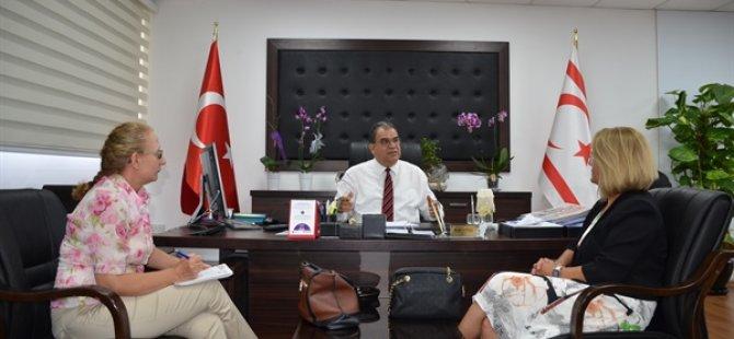 Sosyal Güvenlik Bakanı Sucuoğlu, Yaşlı Hakları ve Ruh Sağlığı Derneği'ni kabul etti