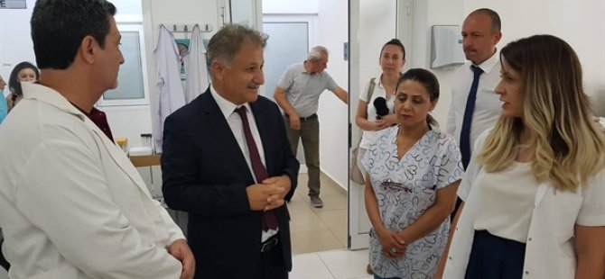 Sağlık Bakanı Ali Pilli, sağlık merkezi ziyaretleri kapsamında Trenyolu Polikliniği'ni ziyaret etti.