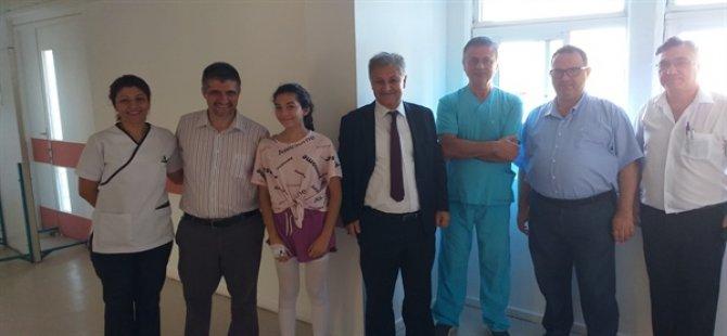 Burhan Nalbantoğlu Devlet Hastanesi'nde skolyoz ameliyatları devam ediyor
