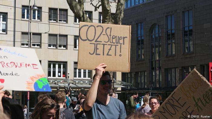 """Alman ekonomi uzmanlarından """"iklim vergisi"""" önerisi"""