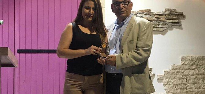 LAÜ öğrencisine Kıbrıs Türk Gazeteciler Birliği'nden ödül