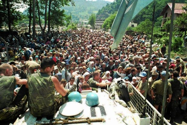 Hollanda Srebrenitsa katliamında suçlu olduğunu 'kısmen' itiraf etti