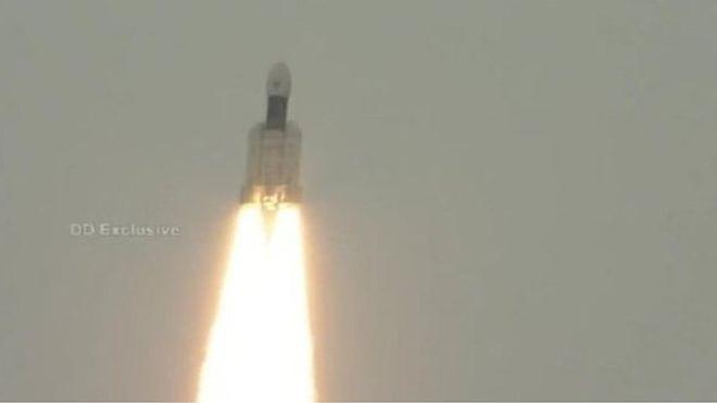 Chandrayaan-2 fırlatıldı, Hindistan'ın Ay'ın karanlık yüzüne yolculuğu başladı