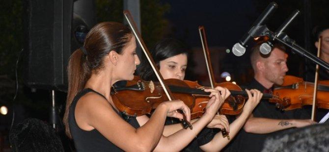 Girne Belediyesi Oda Orkestrası ilk konserini verdi