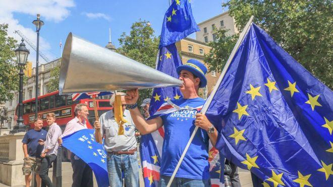 Anlaşmasız Brexit'i Boris Johnson'a rağmen engellemek mümkün mü?
