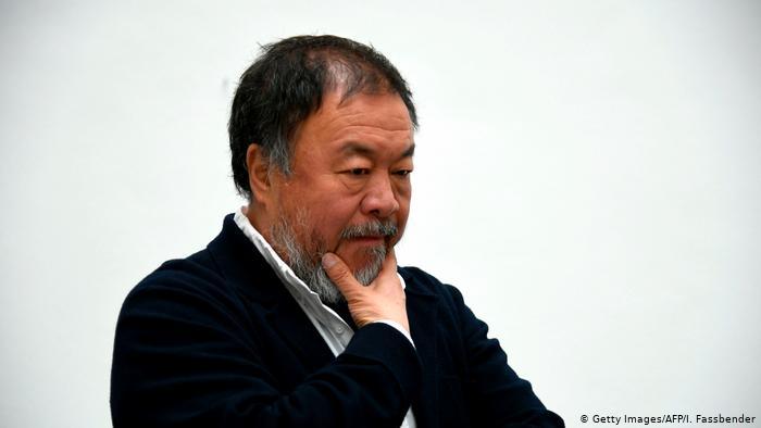 Ai Weiwei: Çin Hong Kong'daki göstericilere blöf yapıyor