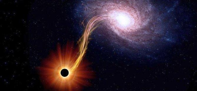 'Dev bir süper kütleli kara delik, evreni yutabilir'