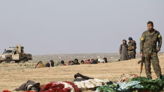 Reuters ve AFP: YPG Suriye'nin Türkiye ile sınırından çekilmeye başladı