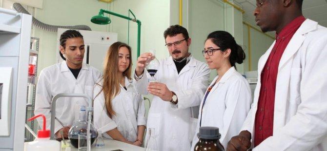 DAÜ Eczacılık Fakültesi yeni akademik yıla hazır