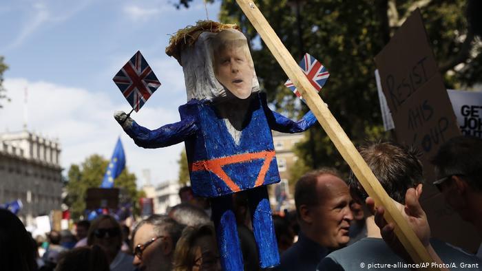 Johnson'dan protestolara tepki