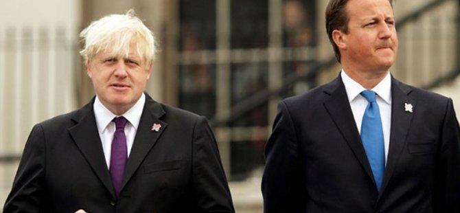 """Johnson, eski başbakan David Cameron'a """"kadınsı inek"""" dedi"""