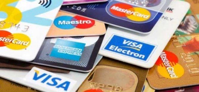 Mağaza çalışanı 1300 müşterinin kredi kartı bilgilerini ezberledi, internetten alışveriş yaptı