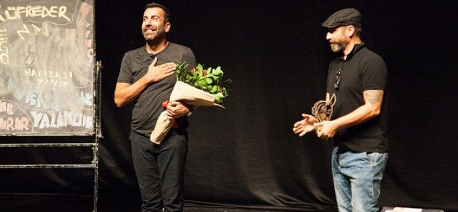 """17. Kıbrıs Tiyatro Festivali'nde """"Oksimoron"""" oyunu sahnelendi"""