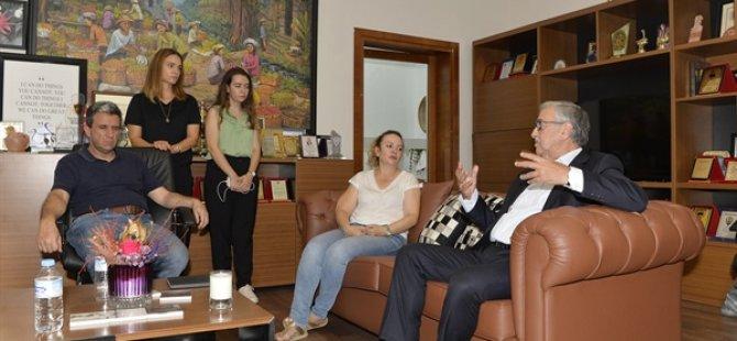Cumhurbaşkanı Akıncı, patlamadan zarar gören Acapulco Oteli ziyaret etti