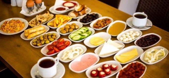 'Serpme kahvaltı'da yılda 100 milyar liralık israf