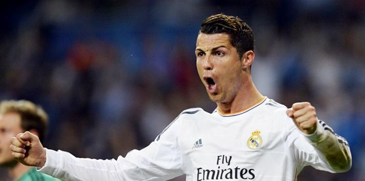 Ronaldo, Messi'yi solladı