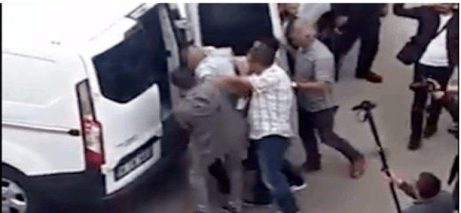 AKP il binasına oturma eylemi yapmaya giden KHK'lı memur gözaltına alındı