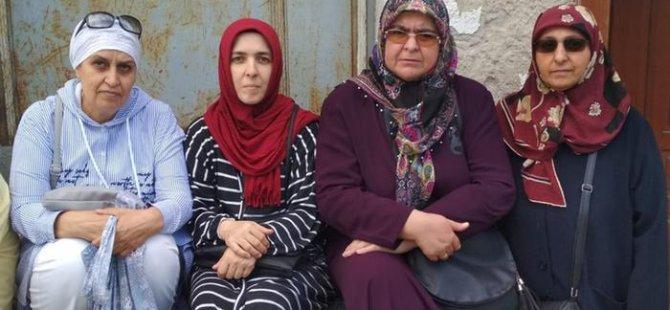 Anneler AKP önünde eylemde