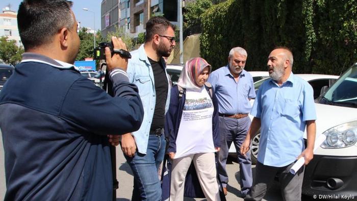 """AKP önünde eylem: """"Gerekirse Diyarbakır'a giderim"""""""