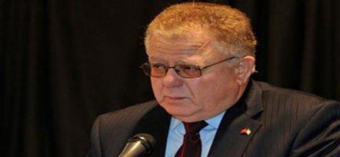 Bağımsızlık İttifakı Cumhurbaşkanı Akıncı'nın çalınan bayrağı geri almasını eleştirdi