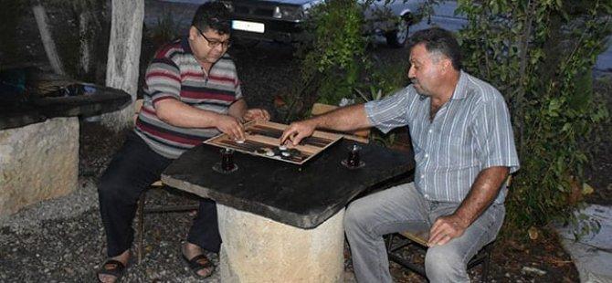Üstünde çay içilip tavla oynanan mermer taş 2 bin yıllık tarihi esermiş