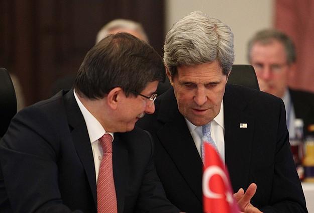 Davutoğlu, Kerry ile Mısır'ı görüştü