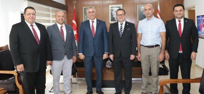 Maliye Bakanı Amcaoğlu Kıbrıs Türk Ticaret Odası heyetini kabul etti