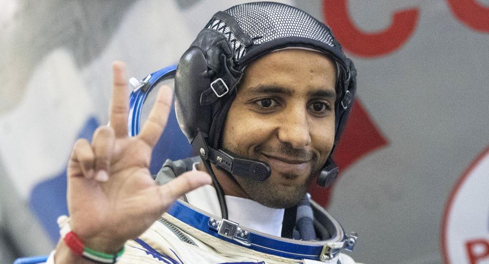 Tarihi yolculuk için geri sayıma başlayan BAE'nin ilk astronotu için özel kitapçık: Uzayda nasıl namaz kılacak ve oruç tutacak?