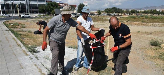 LTB'de hem memurlar hem işçiler temizlik çalışmalarına katıldı