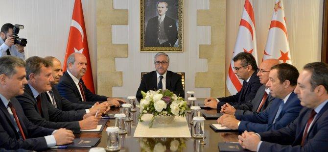 Cumhurbaşkanı Akıncı, siyasi parti başkanlarını bilgilendiriyor