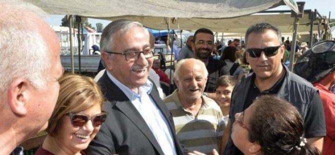 Cumhurbaşkanı Mustafa Akıncı, Güzelyurt açık pazarını ziyaret etti