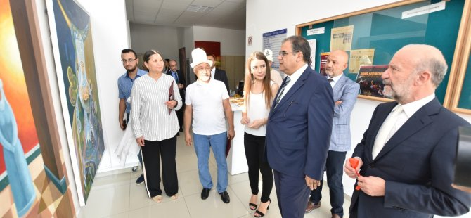 """""""Kırgızistan Sanatçıları Resim Sergisi"""" Çalışma ve Sosyal Güvenlik Bakanı Faiz Sucuoğlu tarafından açıldı"""