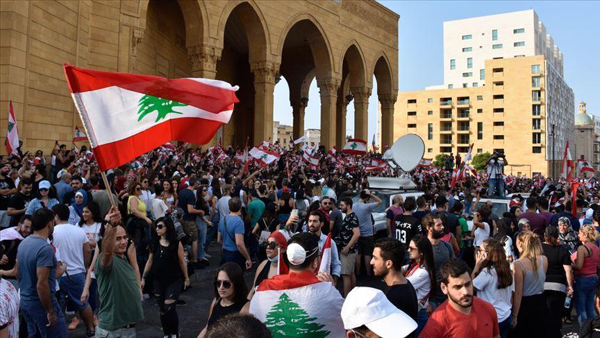 Lübnan halkı hükümetin istifasını istiyor