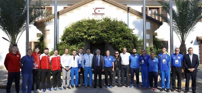 Cumhurbaşkanı Akıncı, 18 yaş altı KKTC Cumhuriyet Kupası'na katılacak ülke temsilcilerini kabul etti