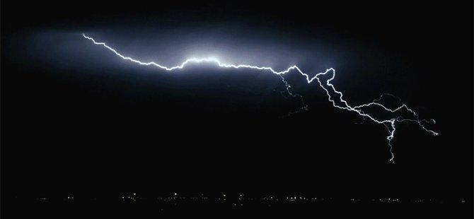 Hava hafta boyunca gök gürültülü sağanak yağmurlu olacak