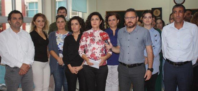 KTOEÖS, kadro ve altyapı eksiklikleri nedeniyle Canbulat Özgürlük Ortaokulu'nda basın açıklaması yaptı