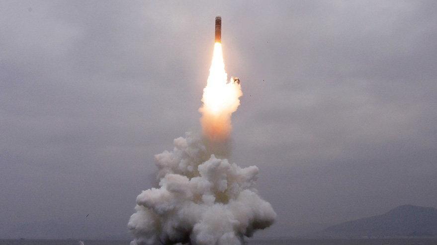 Savaş tamtamları başladı: Kuzey Kore'den Japonya'ya füze