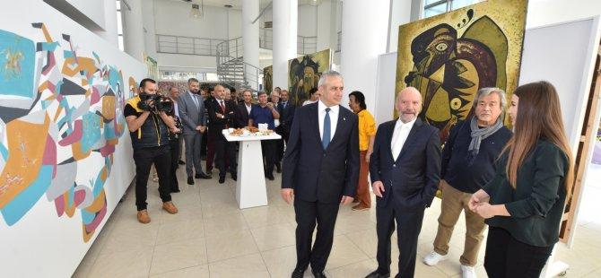 Kazakistanlı sanatçıların sergileri Taçoy tarafından açıldı