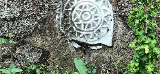 Tarihi eserleri bahçe süsü yapmışlar