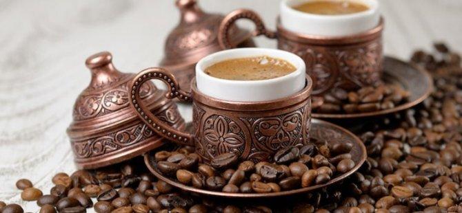 Türk kahvesi gut hastalığından koruyor günde 2 ya da 3 bardak içerseniz...