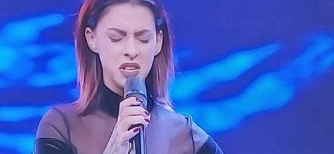 Kıbrıslı Sevcan yaşadıkları ve performansı ile O Ses Türkiye'yi etkiledi