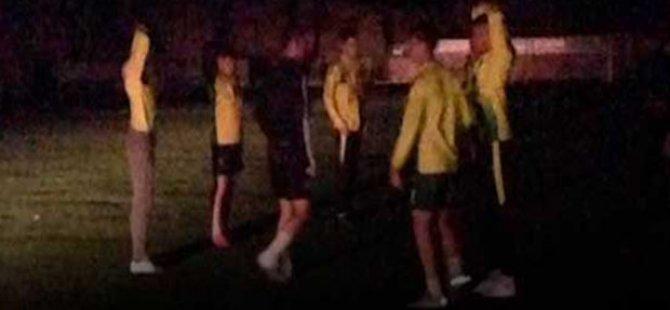Grevde Mağusa'da futbolcular  araba ışıkları altında antrenman yaptı..!