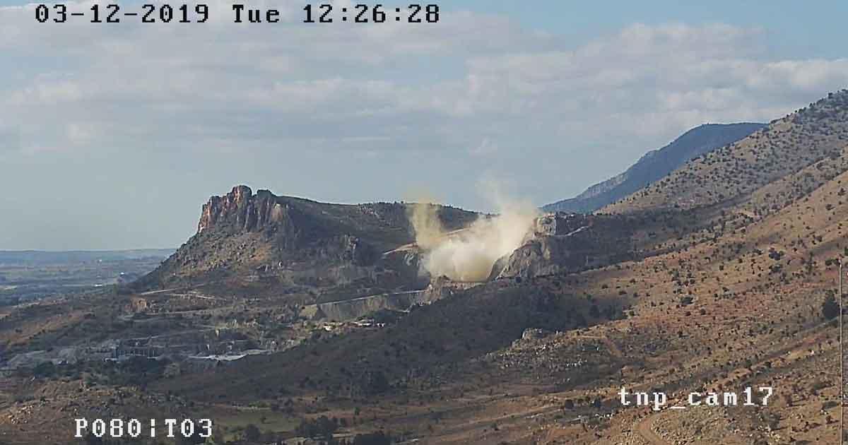 Taş ocağındaki patlama anı kameralara böyle yansıdı; burası Taşkent!