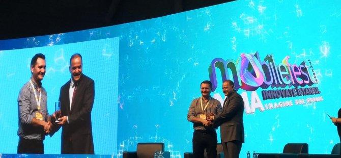 """DAÜ Endüstri Mühendisliği mezunu """"2019 Yılı En İyi Startup"""" ödülünü aldı"""