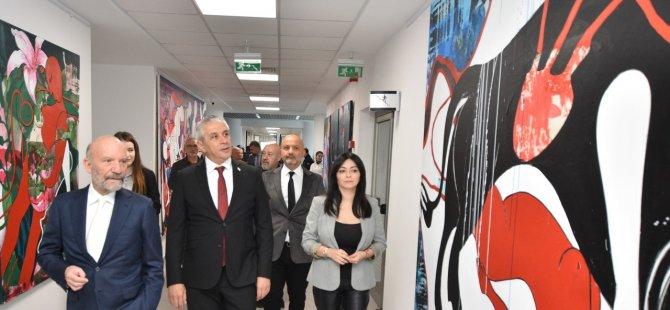 Taçoy, Kıbrıs Modern Sanat Müzesi'nde yer alan sergilerin açılışını yaptı