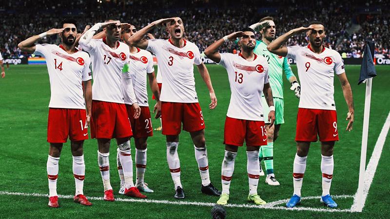 UEFA, 'asker selamı' soruşturmasında kararını açıkladı