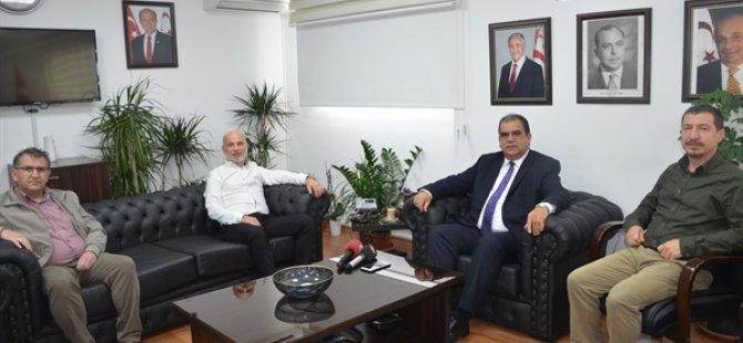 Sucuoğlu, serbest çalışan hekimlerle görüştü