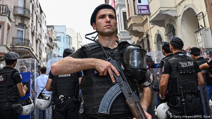Varto ve Bulanık eş belediye başkanları gözaltına alındı