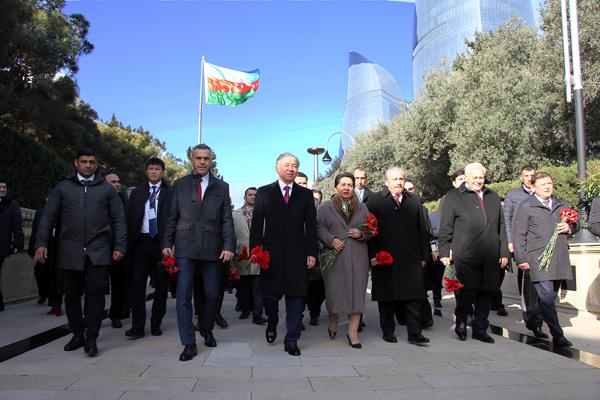 Uluçay, Bakü'de temaslarına başladı