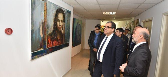 Sucuoğlu Kıbrıs Modern Sanat Müzesi için hazırlanan serginin açılışını yaptı